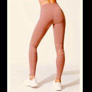 Alo yoga • High waisted Moto Leggings